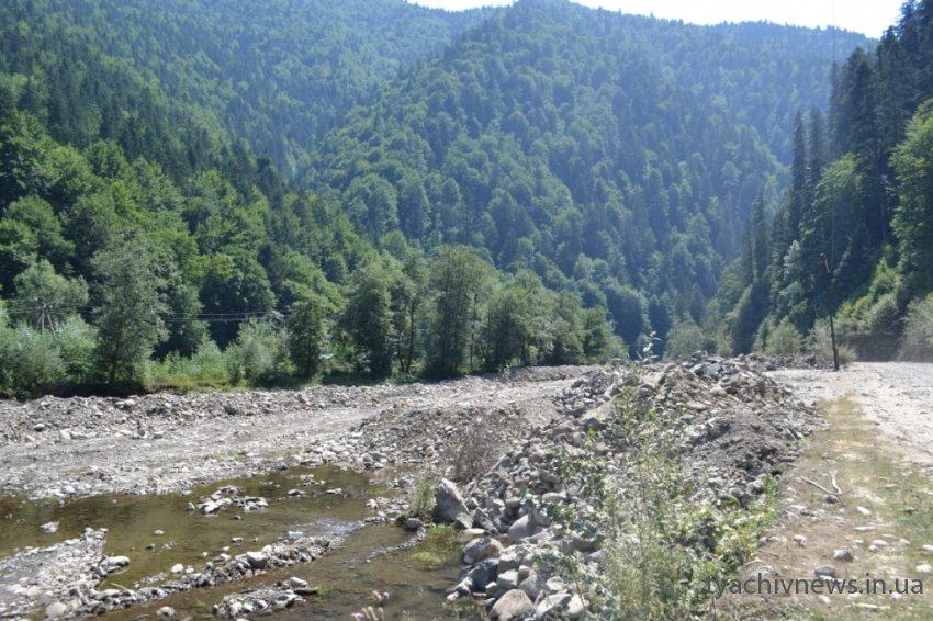 На річці Брустурянка триває будівництво міні - ГЕС
