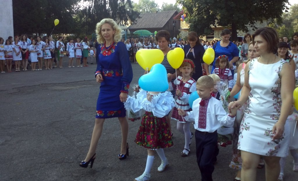 Учасник АТО розділив свято першого дзвоника зі школярами Грушівської ЗОШ