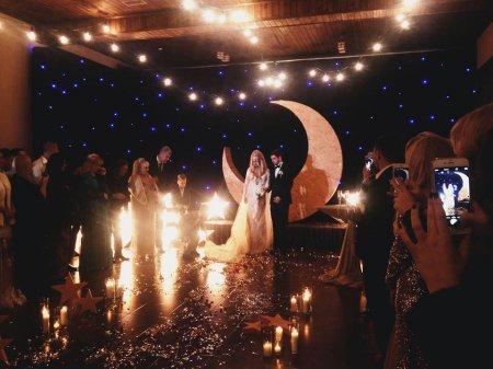 У Мережу потрапили ФОТО розкішного VIP-весілля на Закарпатті