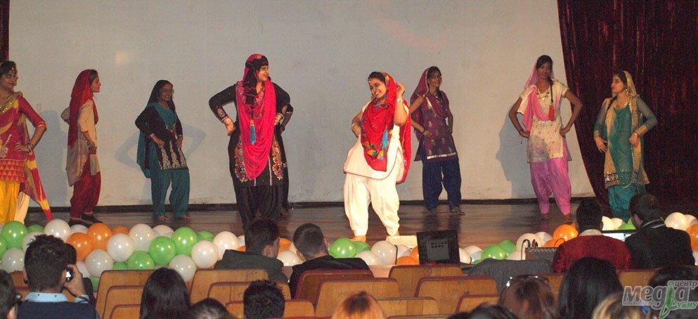 В УжНУ відзначили індійське свято - Дівалі