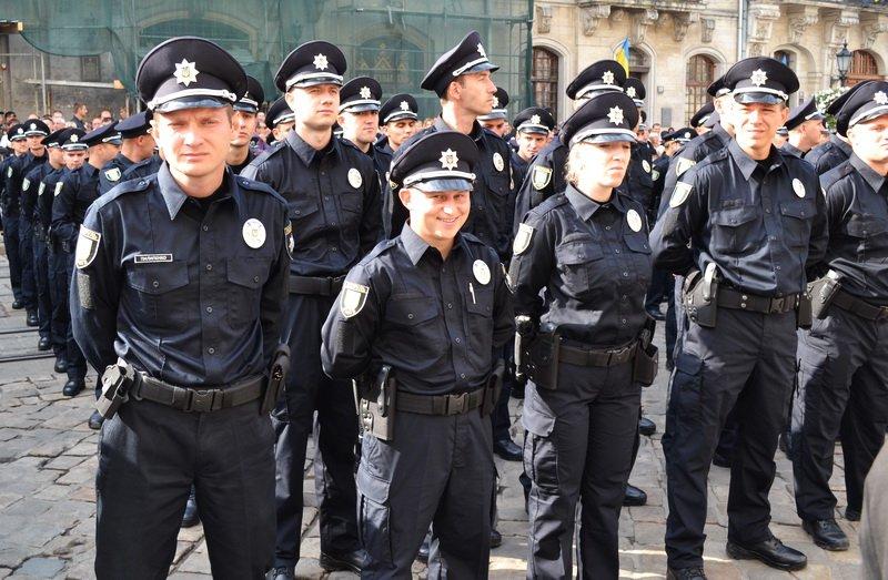 200 колишніх міліціонерів Закарпаття точно не стануть поліцейськими