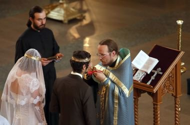 Криза послуг: весілля стали втричі дорожчим, няні – вдвічі, а повії – на чверть
