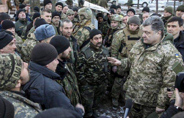 Час додому: Порошенко підписав демобілізацію бійців 6-ї хвилі
