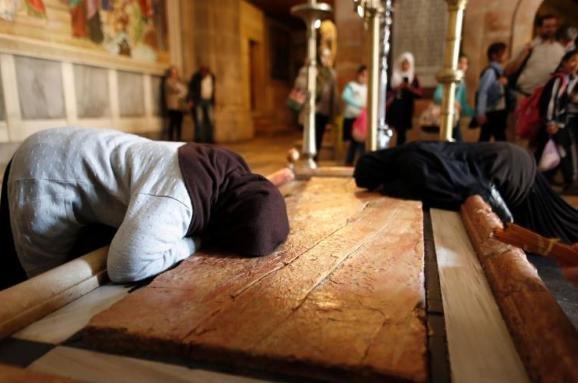 В Єрусалимі вперше за п'ять століть розкрили гробницю Ісуса Христа – вчені здивовані (відео)