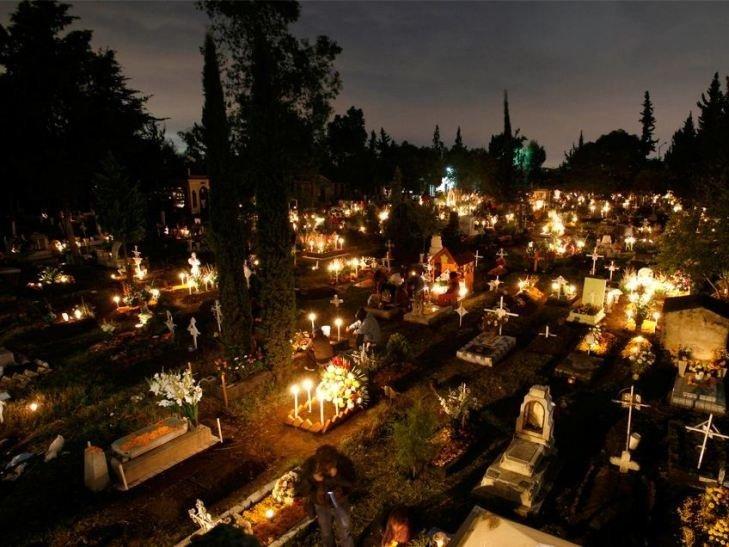 Чи поступиться закарпатський День пам'яті померлих західному Хелловіну