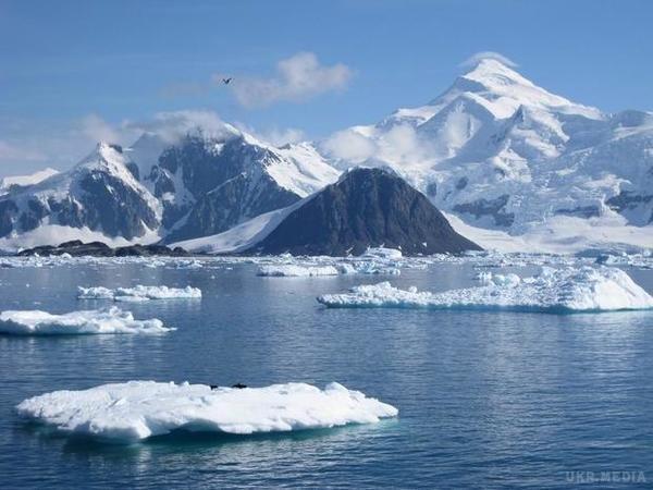 В Антарктиді знайшли стародавні піраміди