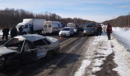 Страшна аварія у Росії: загинули десятеро дітей