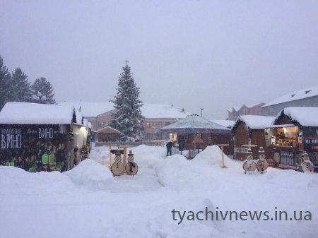 Tyachiv NEWS  просить усіх мешканців тячівщини допомогти  в розчистці  території від снігової заметілі