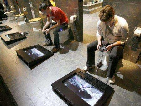 Якщо сміятись, то лише по-великому: топ найкумедніших туалетів у світі (ФОТО)