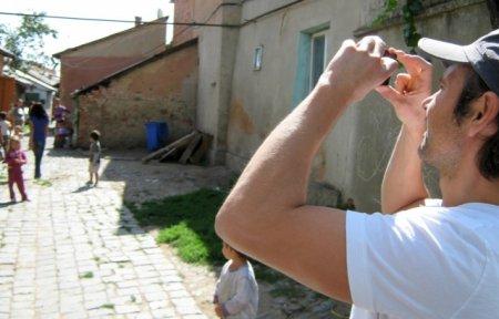 Вакарчук з батьками навідався у рідний будинок на Закарпатті, де народився