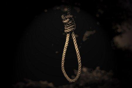Моторошне самогубство: 17-річний юнак повісився відразу після вечері
