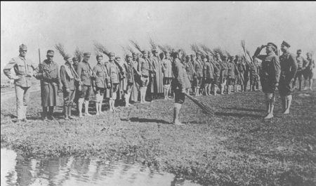 Унікальні кадри: табір полонених польських легіонерів у Буштині