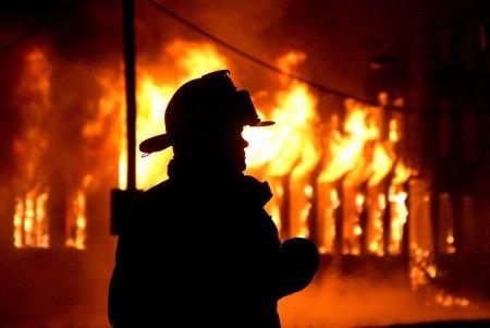 На Тячівщині чергова пожежа у торговому  комплексі