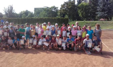 Юні тенісисти Тячівщини здобули ряд перемог у змаганнях за першість Закарпатської області з тенісу серед ДЮСШ (ФОТО)