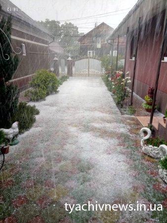 На Тячівщині пройши зливи та град (Фото, відео)