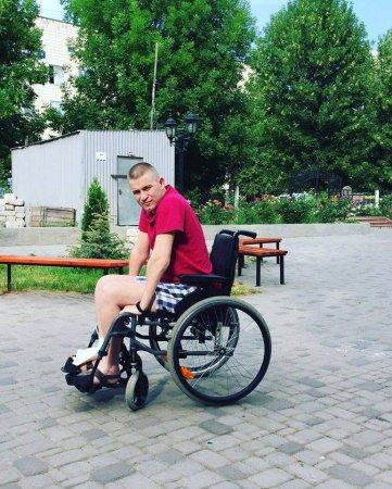 27-річний Юрій Дулкай з Хустщини потребує реабілітації після травми хребта
