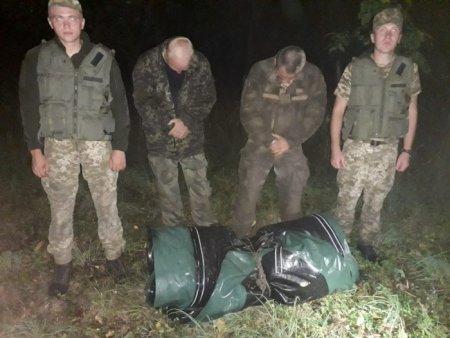 Двох українців з човном затримали закарпатські прикордонники на українсько-угорському кордоні