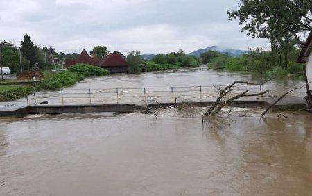 На Закарпатті виникає загроза паводку