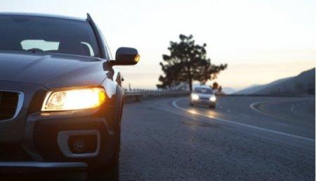 З 1 жовтня водії мають їздити вдень з увімкненими фарами